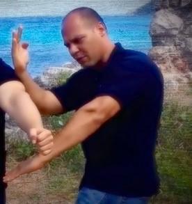 Photo of Sifu Charlie Diaz Wing Chun Kali System